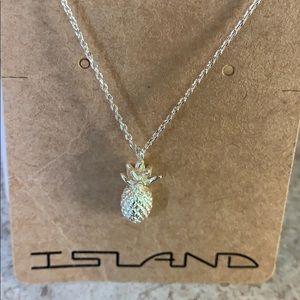 Island pineapple 🍍 nwt